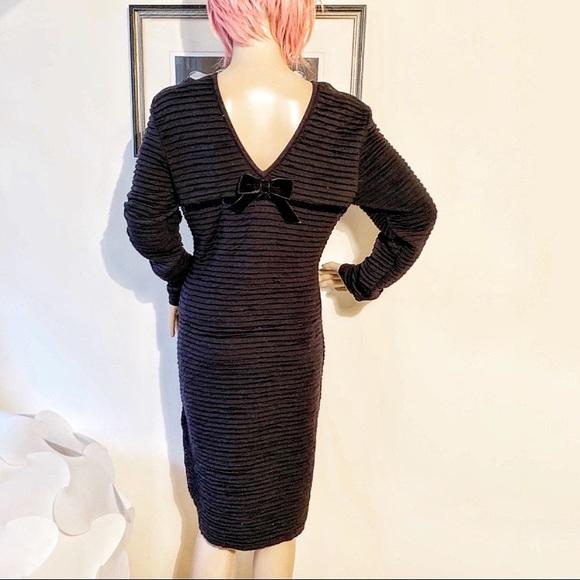 Valentino Dresses & Skirts - Valentino Pleated Dress Velvet Back Bow Detail 12